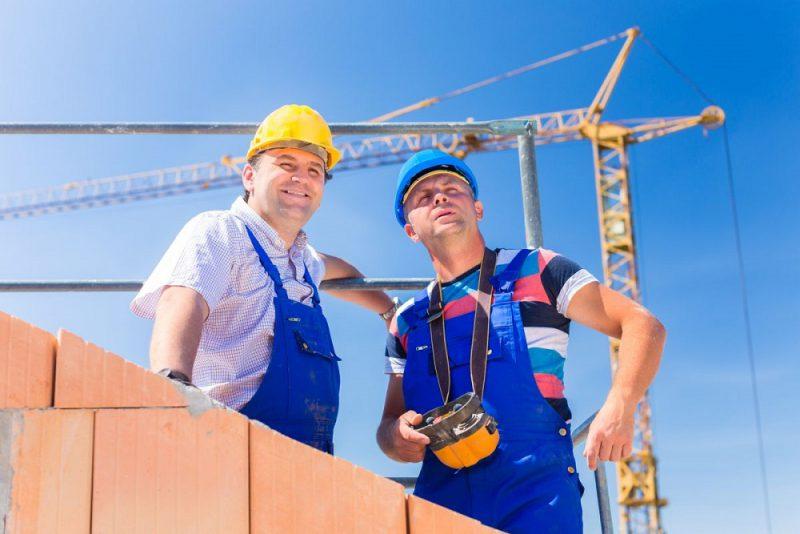 firma budowlana w pracy